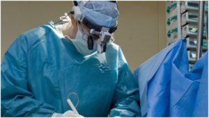 Врач хирург